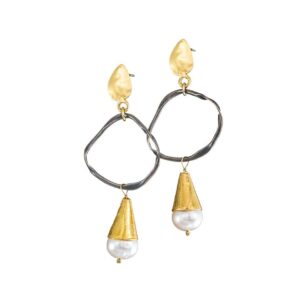 Dangle earrings / Pearl earrings / Gold plated silver earrings / Oxidized earrings