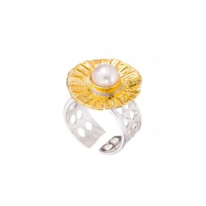 Gold plated silver pearl ring / Solitaire flower ring / White pearl open band ring