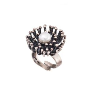 Solitaire oxidized flower ring / White pearl silver ring / Vintage engagement ring