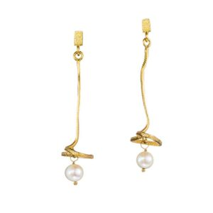 Dangle earrings / Pearl earrings / Silver earrings / Gold plated earrings