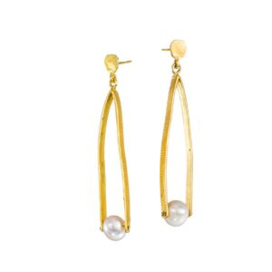 Dangle earrings/Pearl earrings / Silver earrings / Gold plated earrings