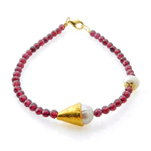 Bracelet with Garnet and Pearls