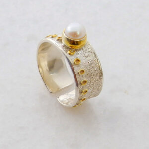 Round Flawless Pearl Ring